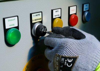 REMONDIS Worker Operating Machine